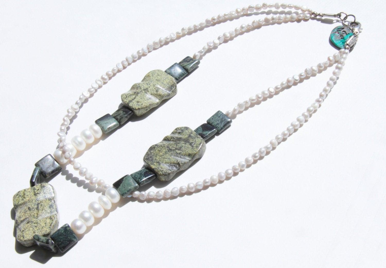 Mossy Pearls Choker
