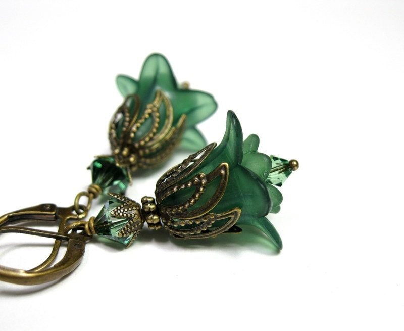 Erinite Swarovski, Forest Green Lucite Flower Earrings