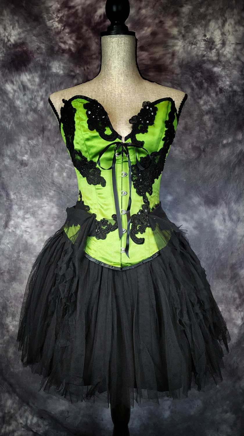 Alternative Goth Outfit Ideas For Prom