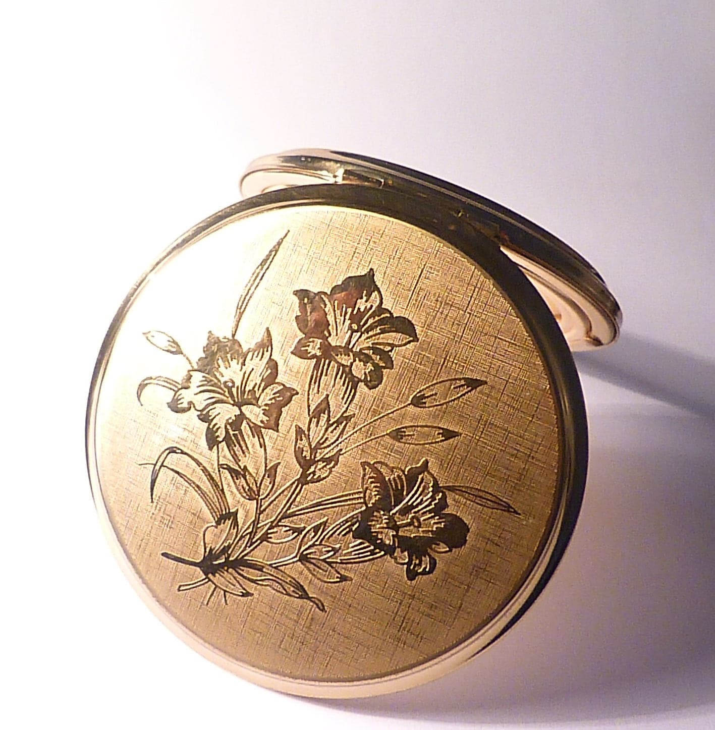 Vintage gift ideas for her vintage Stratton compact mirrors vintage bridesmaids gifts