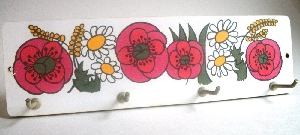 Retro Wall Hooks with Colorful Flower Motif