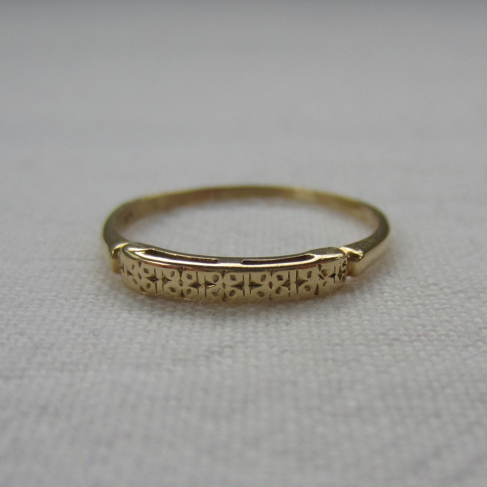 1940s wedding ring yellow gold floral detail by addy on
