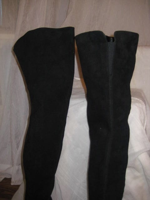 Holiday Sale Prices Slashed -- Vintage 80s Thigh High Pirate Boots UK Made