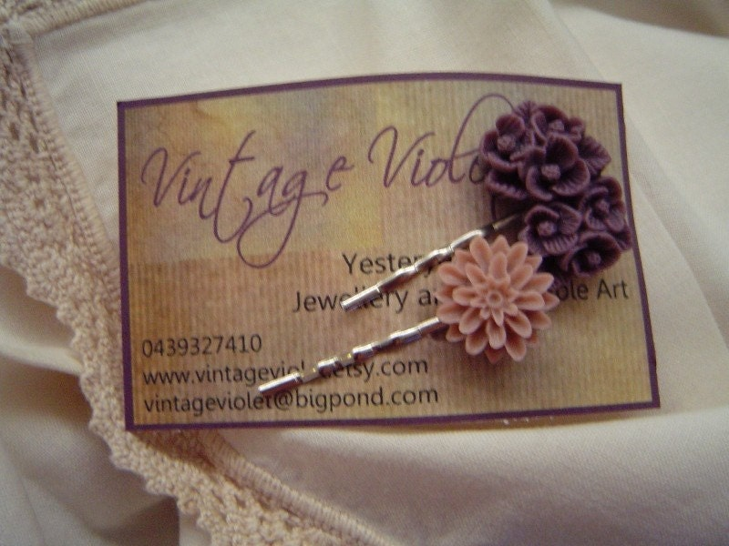 Yesteryear Cabochon Hair Pins - Yesterday