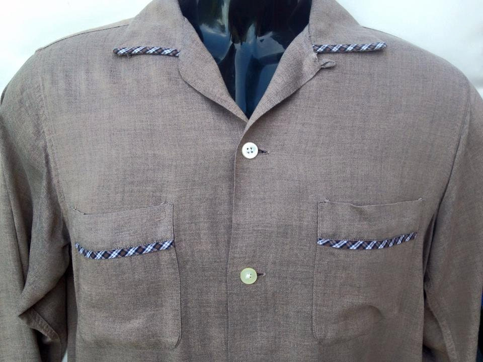 Vintage 1950s Mid Century brown  checked long sleeved US American mens shirt. Rockabilly Elvis style.