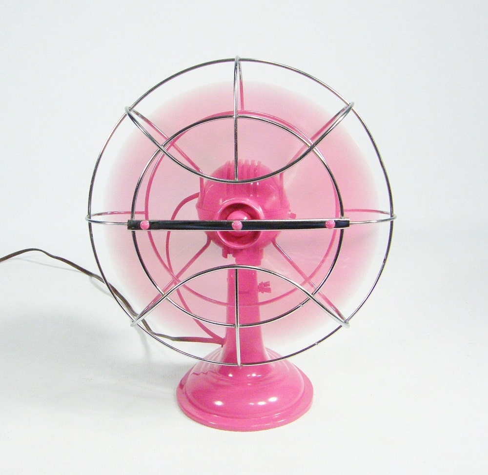 Vintage pink Electric Fan / oscillating