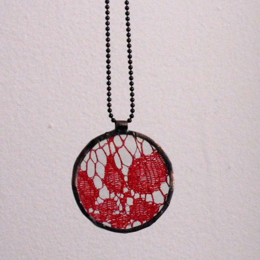 Lace Pendant - Red
