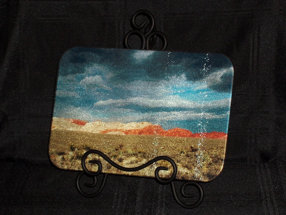 Gathering Storm - Tempered Glass Cutting Board