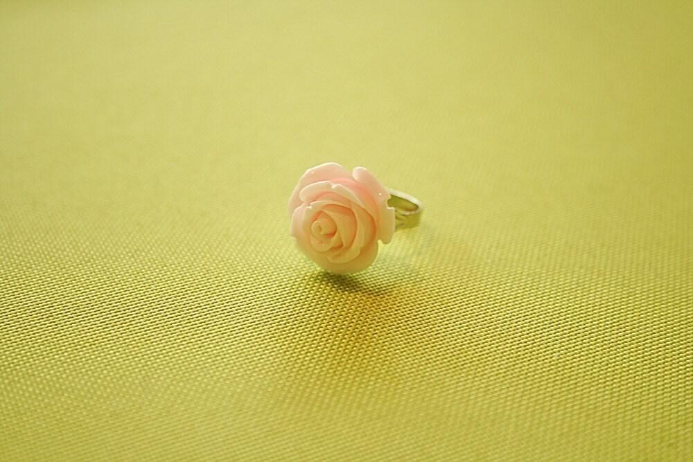 Light pink rose flower ring
