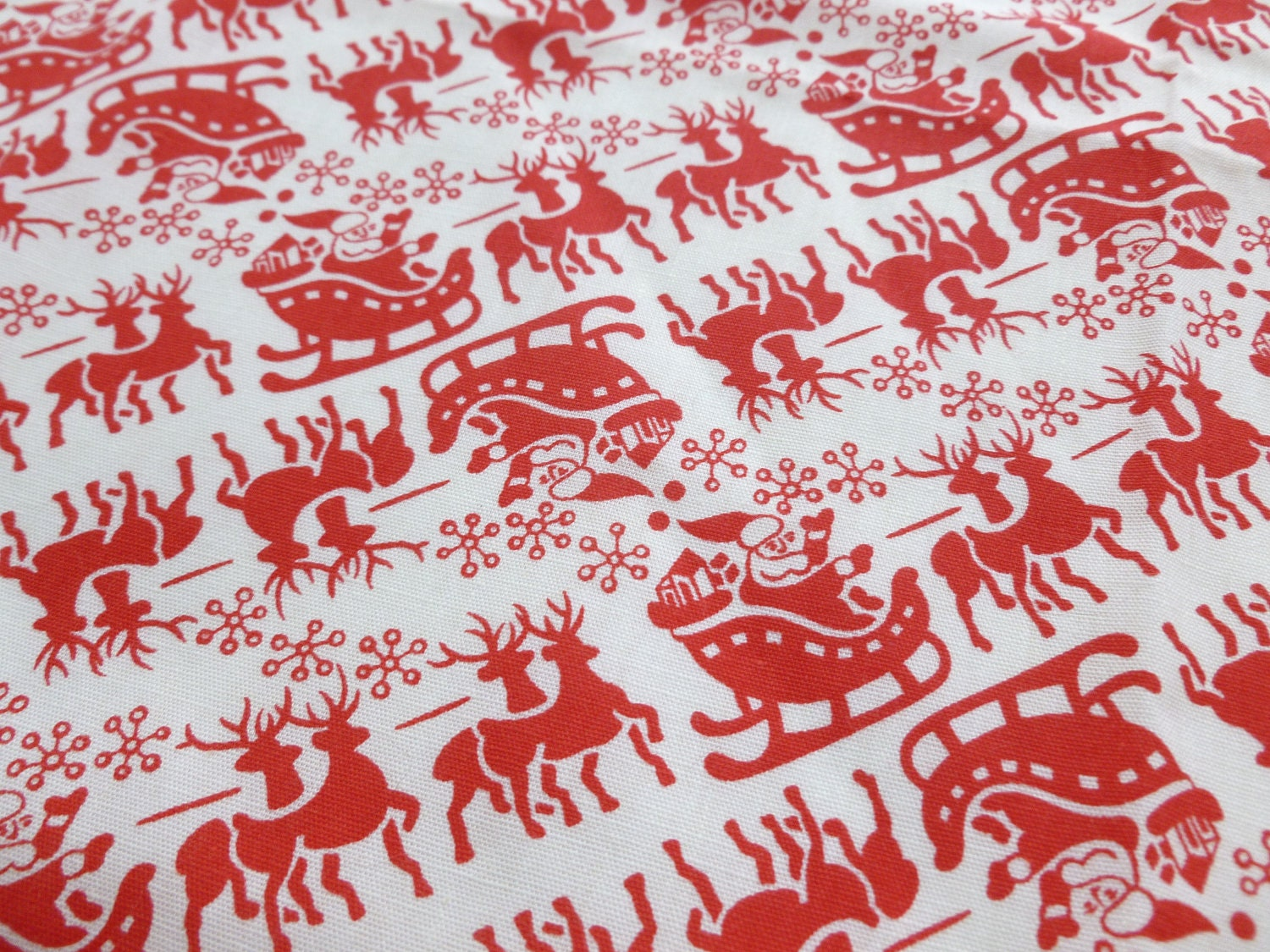 Vintage Christmas Fabric Red And White Santa By