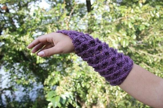 Crochet Hooks and Crochet Patterns - Angelika's Yarn Store