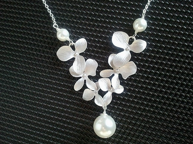 Dangling Triple Orchids Flowers Necklace - bridesmaid gifts,Wedding jewelry,flower girl,anniversary gift