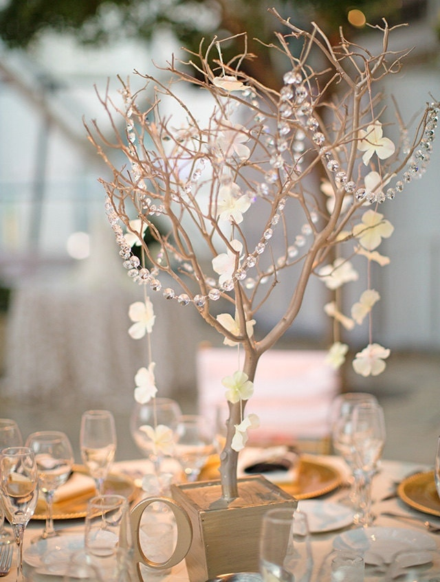 Manzanita branch centerpiece wedding by creativeuniqueboutiq