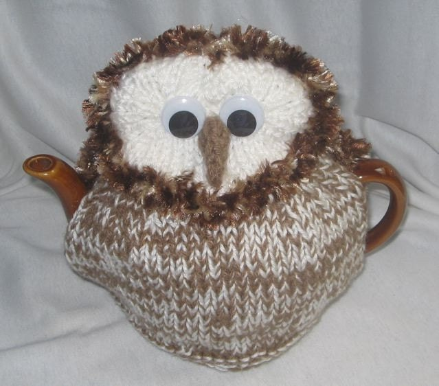Knitted Owl Tea Cosy Pattern : Barn Owl Tea Cosy KNITTING PATTERN downloadable by RianAnderson