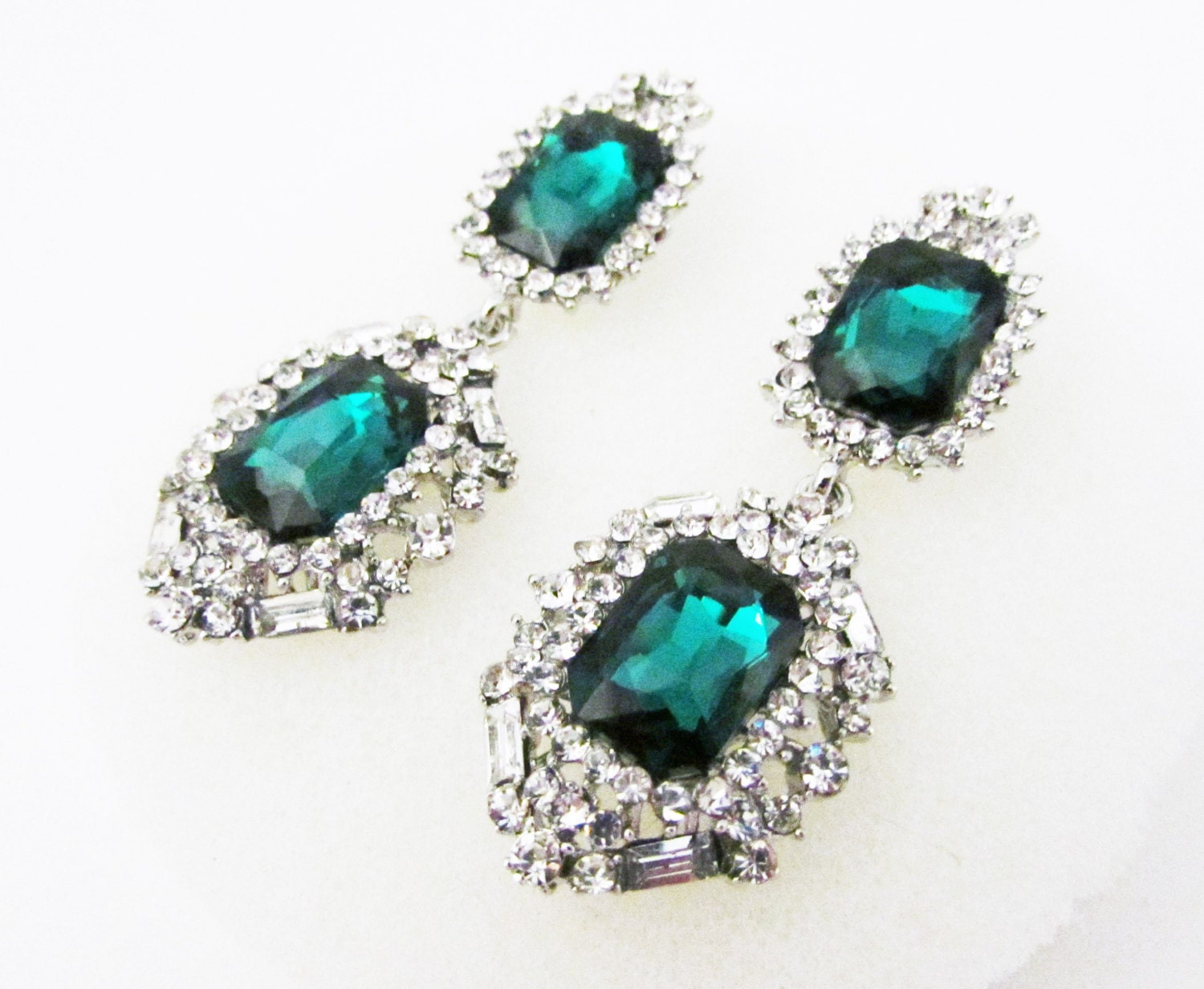 Vintage Style Emerald Green Rhinestone and Crystal Earrings Green Crystal Earrings Emerald Green Earrings Silver and Green Earrings