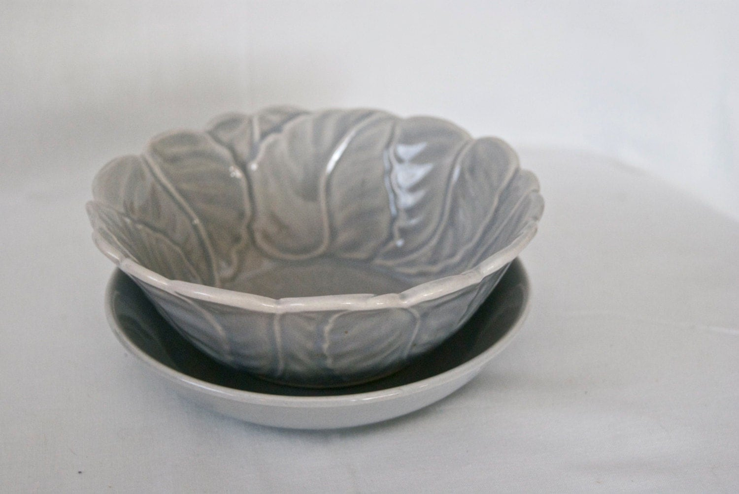 California Pottery Leaf Pattern Serving Bowl Set - MamaAndTheFlowrChild
