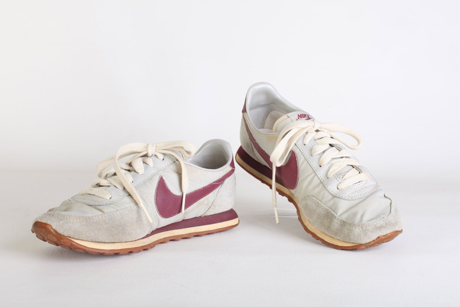 size 8 5 s grey and maroon nike tennis by