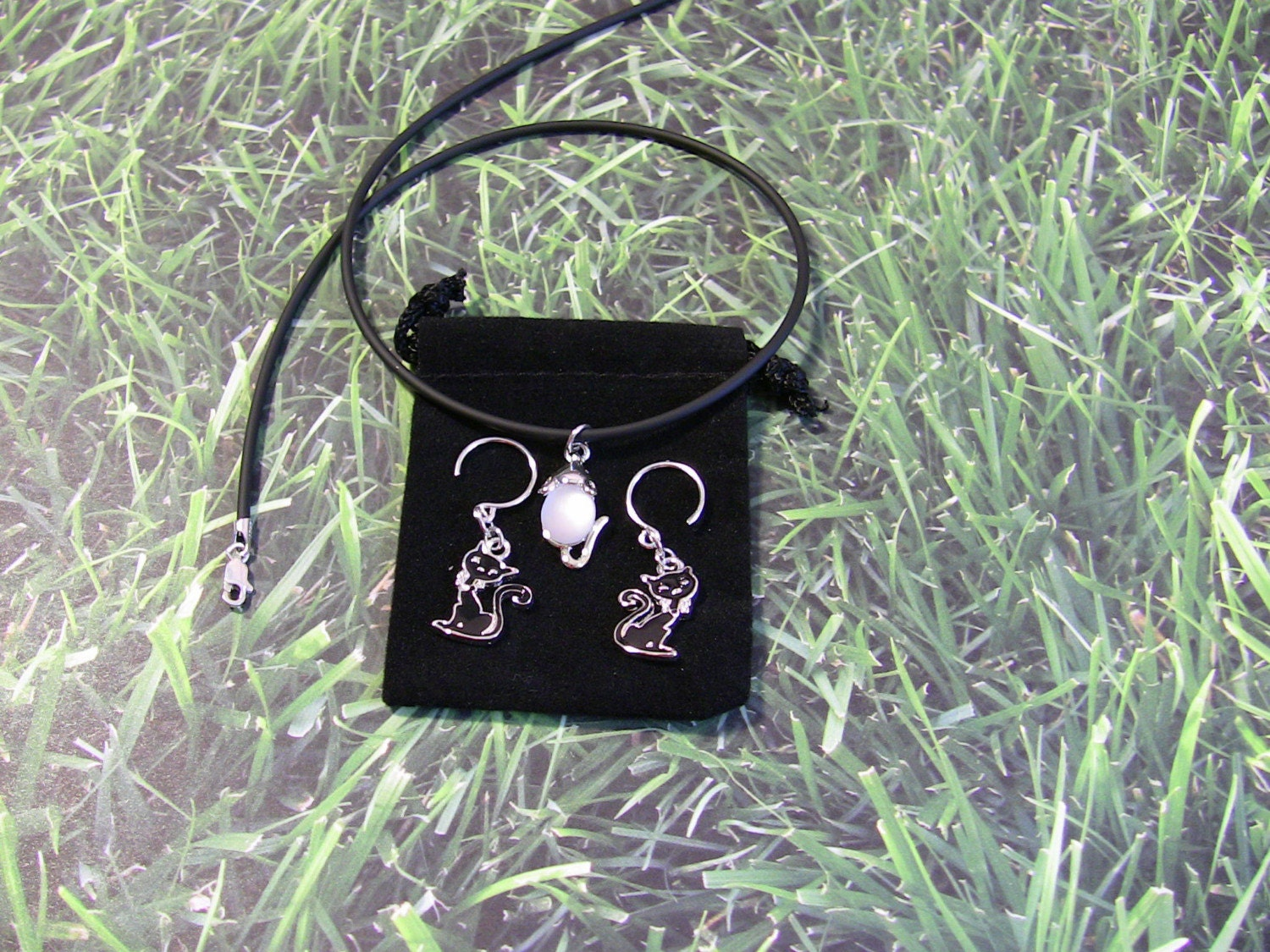 Black Cat and Mouse Necklace and Earrings Gift Set by orangecatblues on Etsy