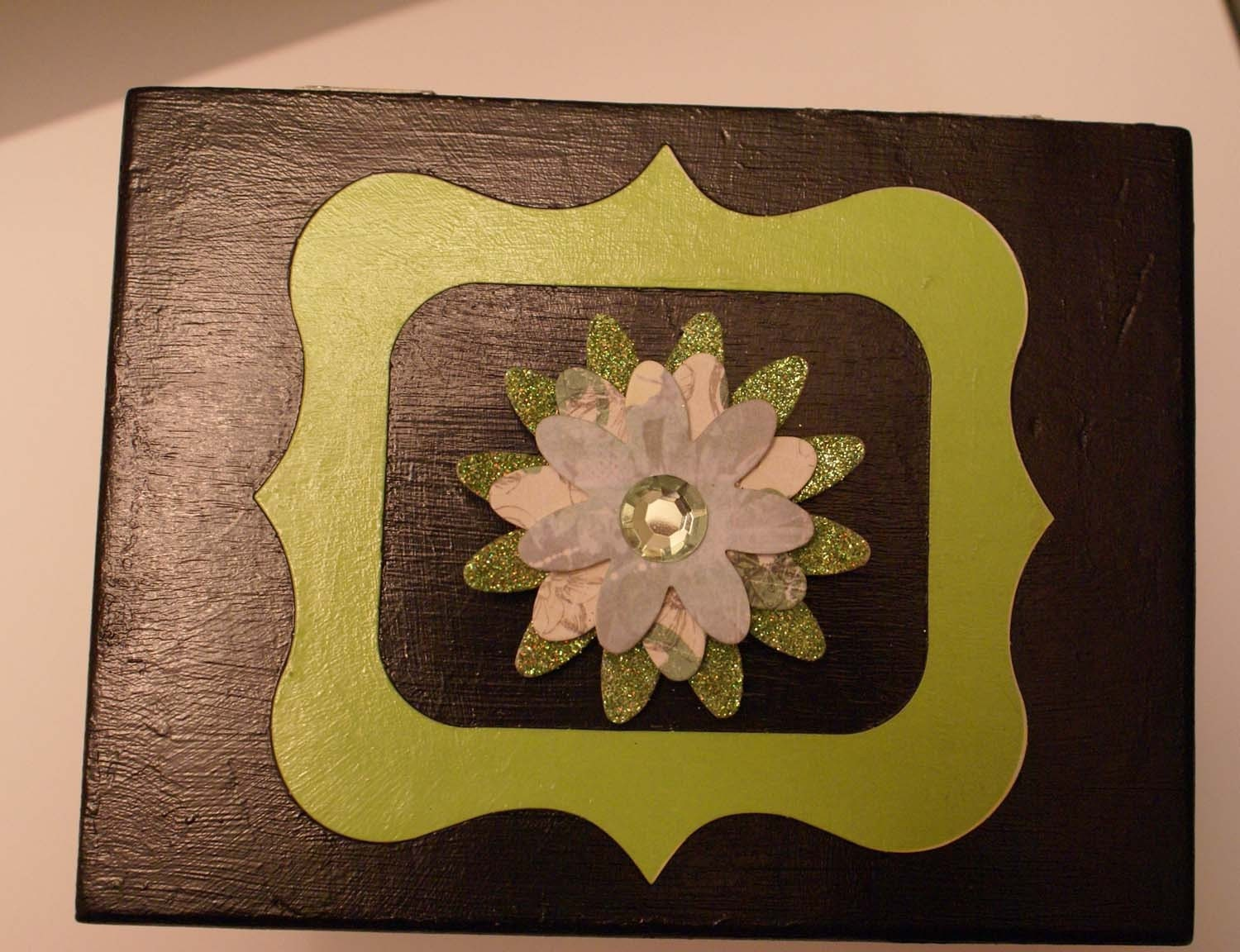 Upcycled jewelry box