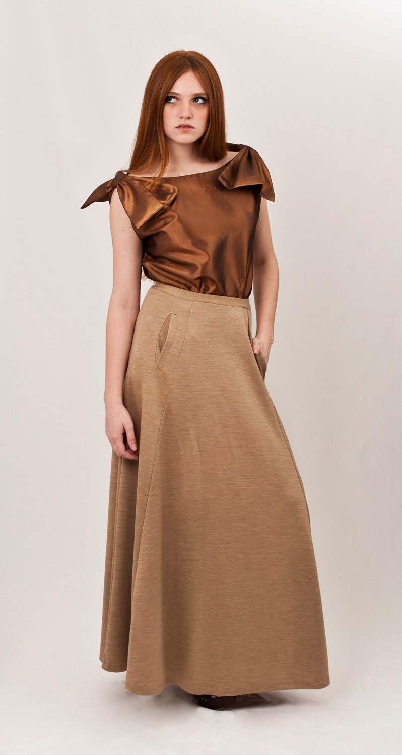 Beige maxi skirt, camel flowing skirt, two side slit pockets, neutral high quality wool, must-have look /// Ready to ship /// - texturable