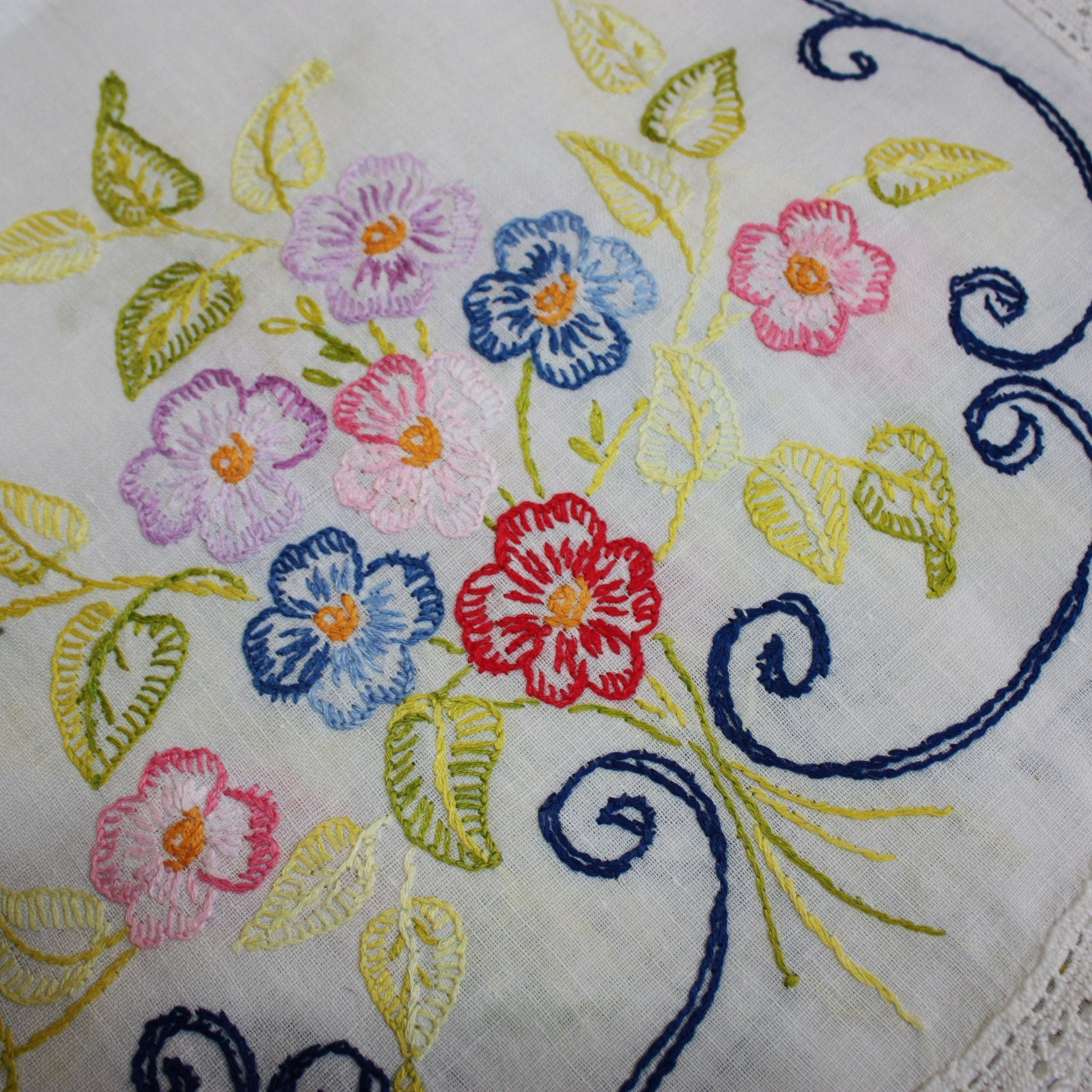 Vintage Floral Pansy Hand Embroiderd Runner with Lace Trim