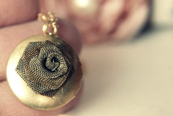 The Shy Rose. A vintage mesh and gold locket.
