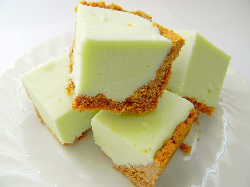 Julie's Fudge - KEY LIME PIE w/Graham Cracker Crust - 12 Pieces (Over 1 Pound)