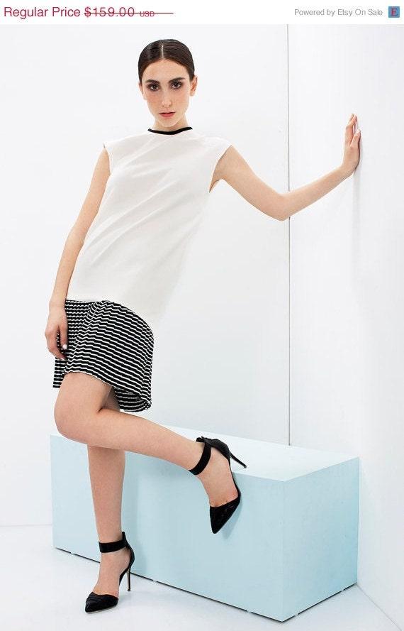 Sale / Christmasinjuly White Jersey Dress / Loose Fit Mini Dress
