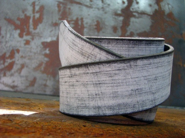 DISTRESSED WHITE leather belt