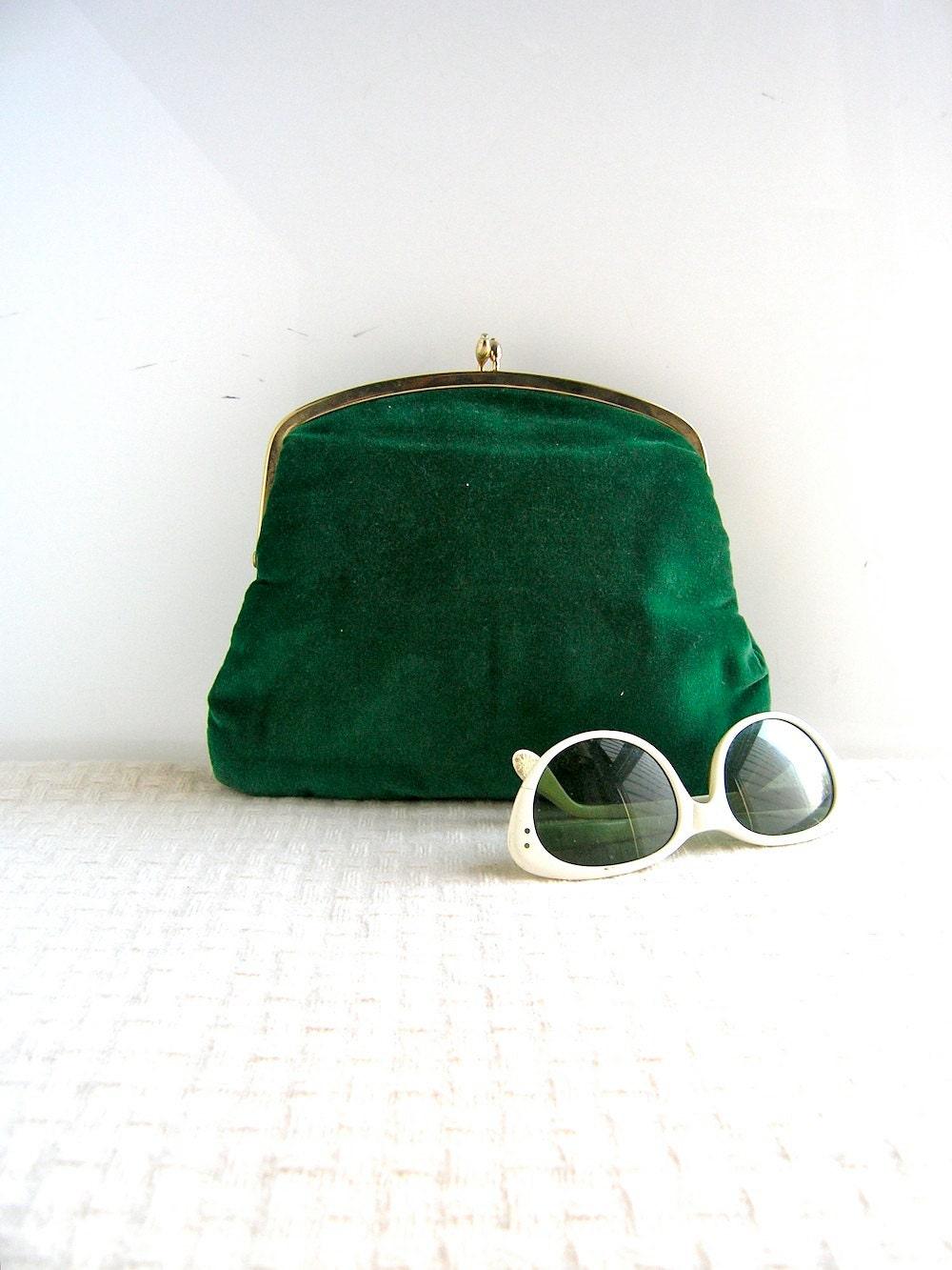 Evenng bag clutch mad men fashion glam dark green holiday chic
