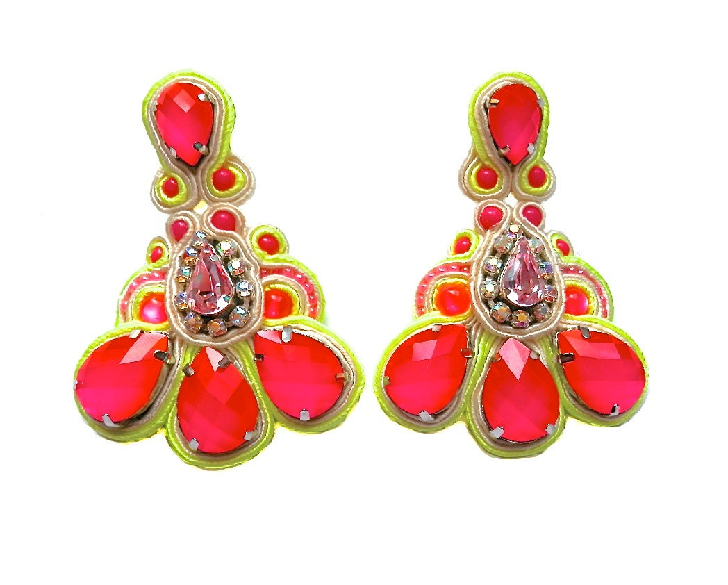 MAGIC POTION soutache earrings in neon pink with dash of yellow - BlackMarketJewels