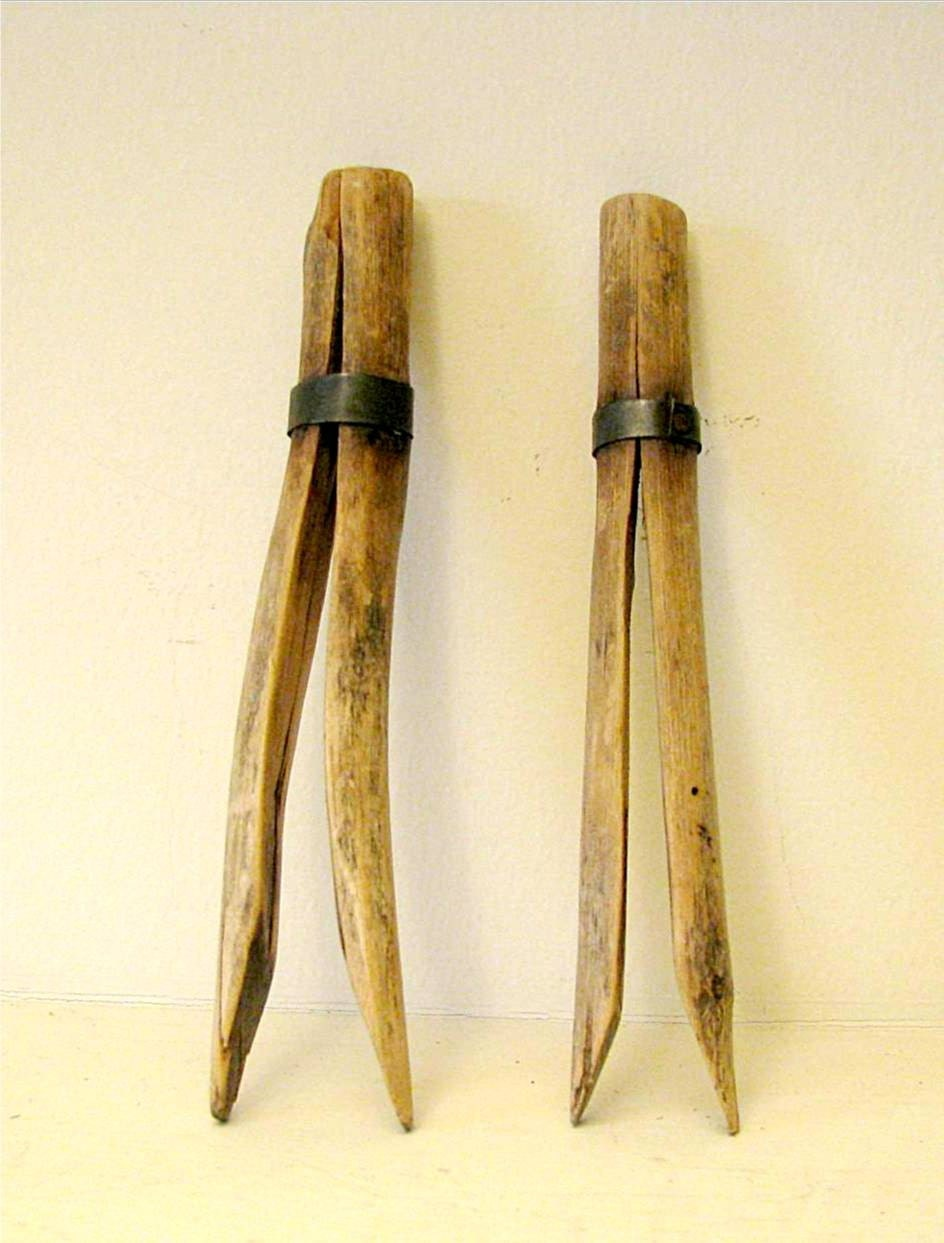 carved wooden clothes pins vintage by theblueeggnest