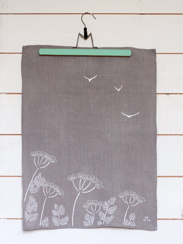 Botanical fennel dishcloth - Grey linen tea towel with umbel flowers - Kitchen gift - Made to order - LesMiniboux