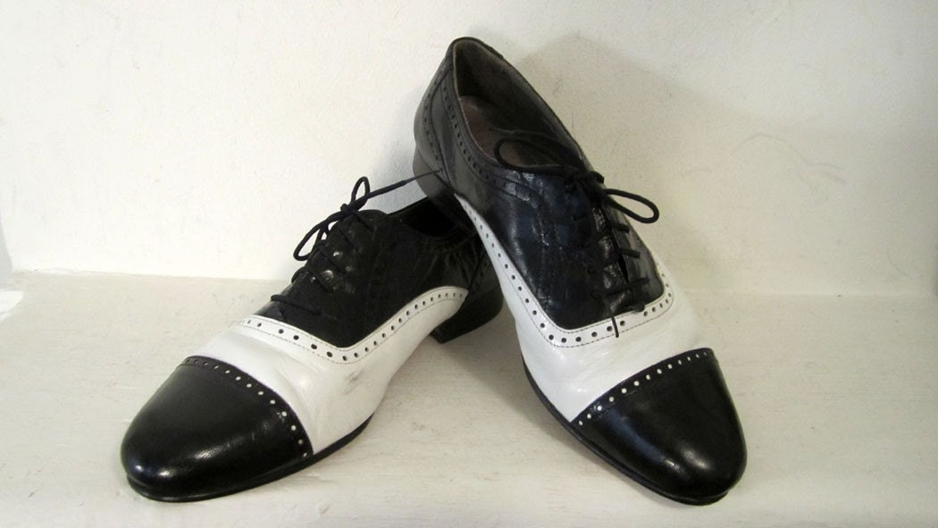 Vintage Jazzy Spectator Oxfords 7 to 8