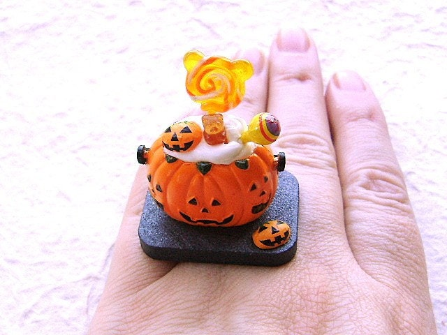 halloween candy ring