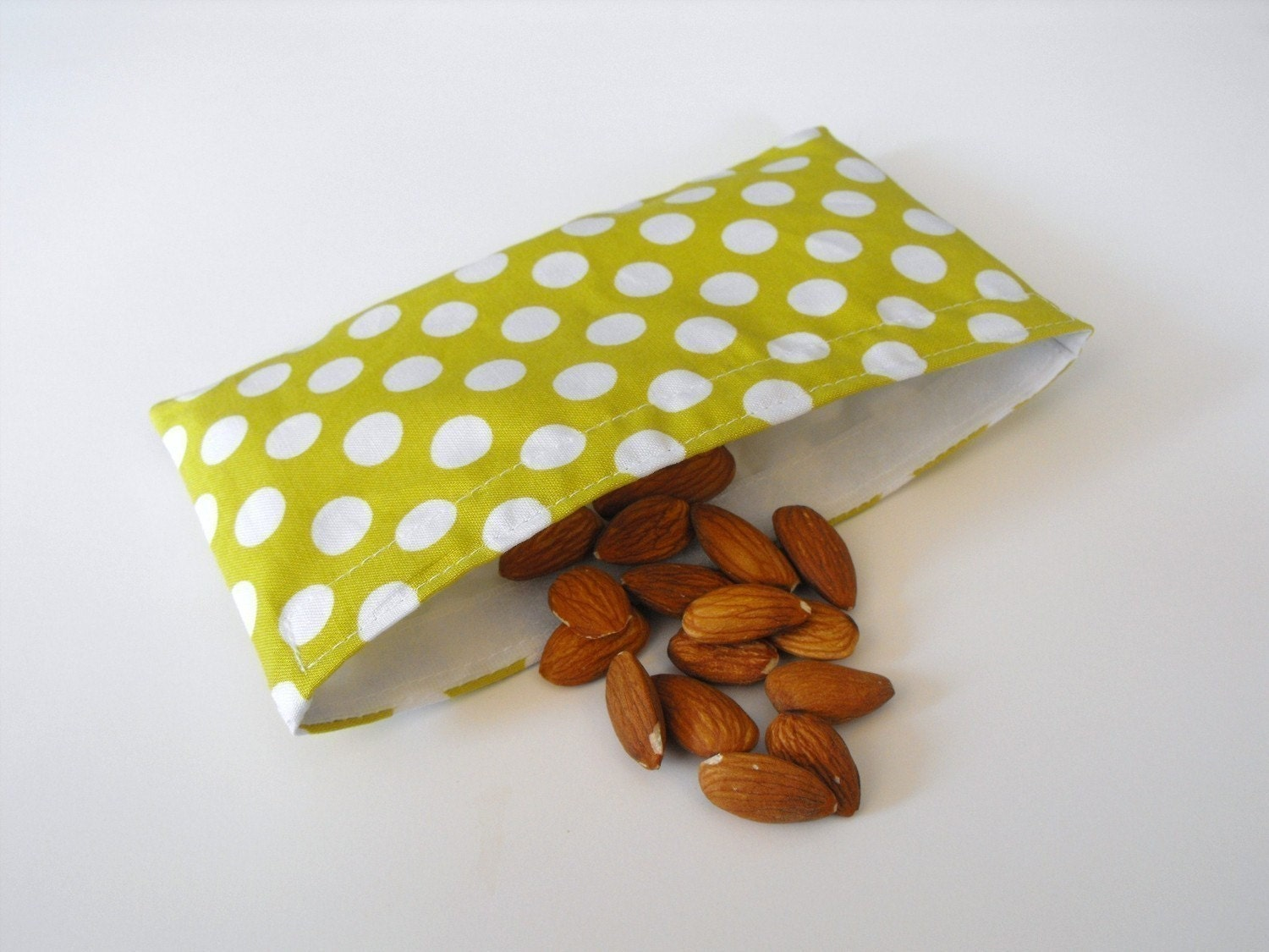 Pre-Christmas Sale Ta Dot Reusable Snack Bag w/ Water Resistant  Lining