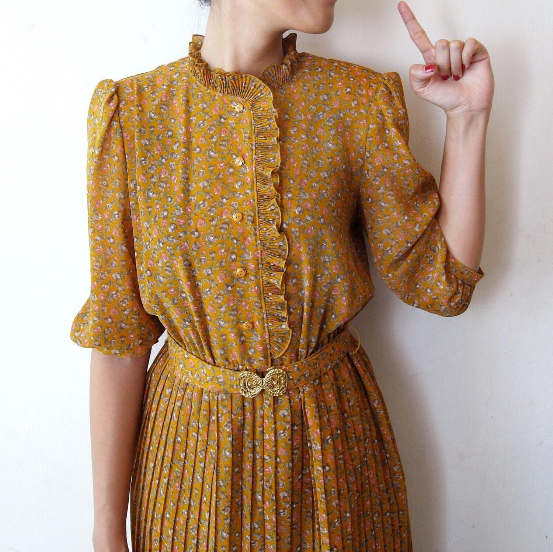 Lawall Vintage Orange Ruffles Floral dress with golden Belt