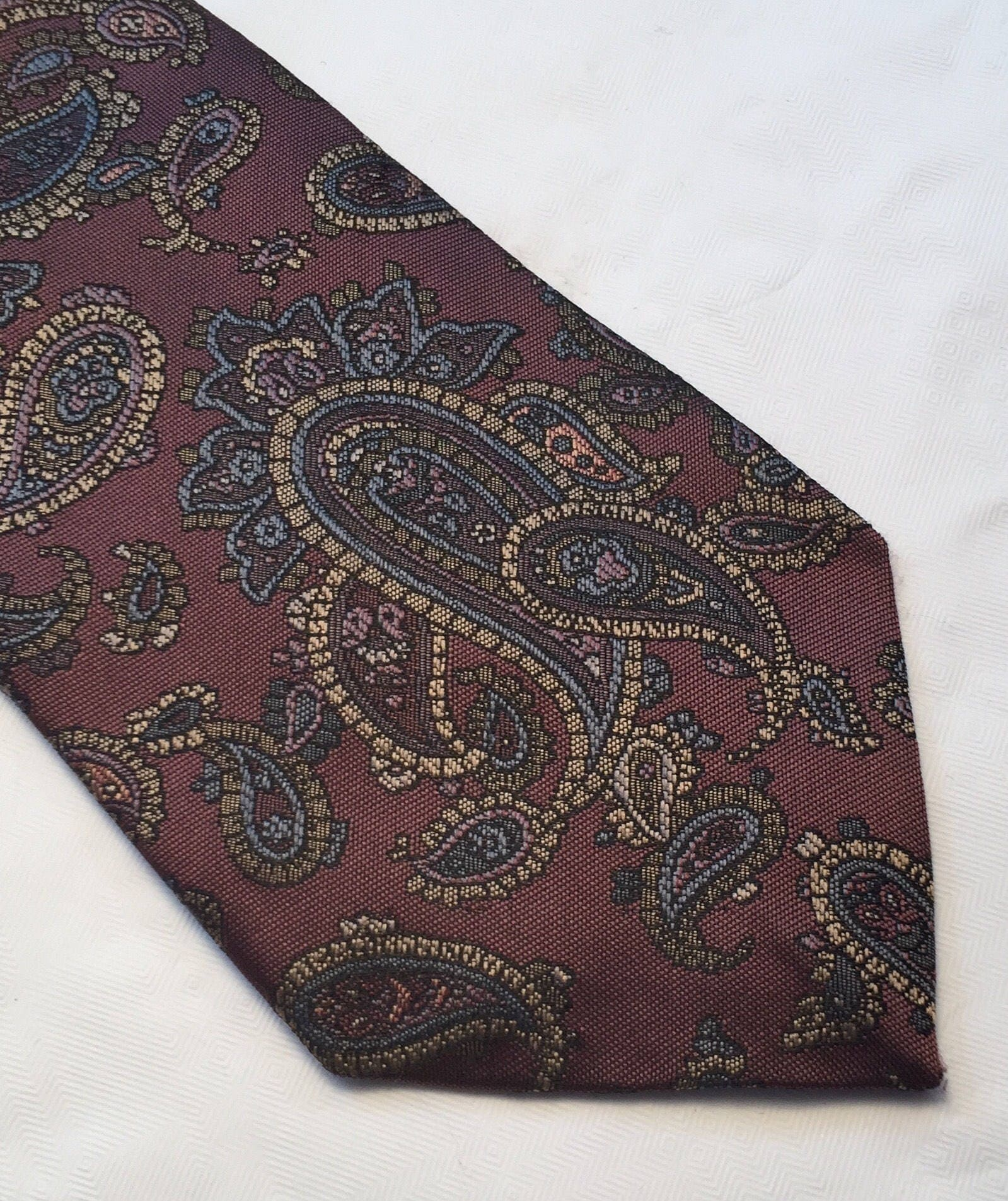 Vintage Canda gold and bronze polyester paisley tie