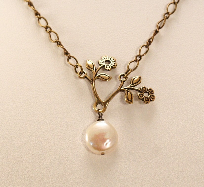 Rich Creamy Pearl Bloom Necklace
