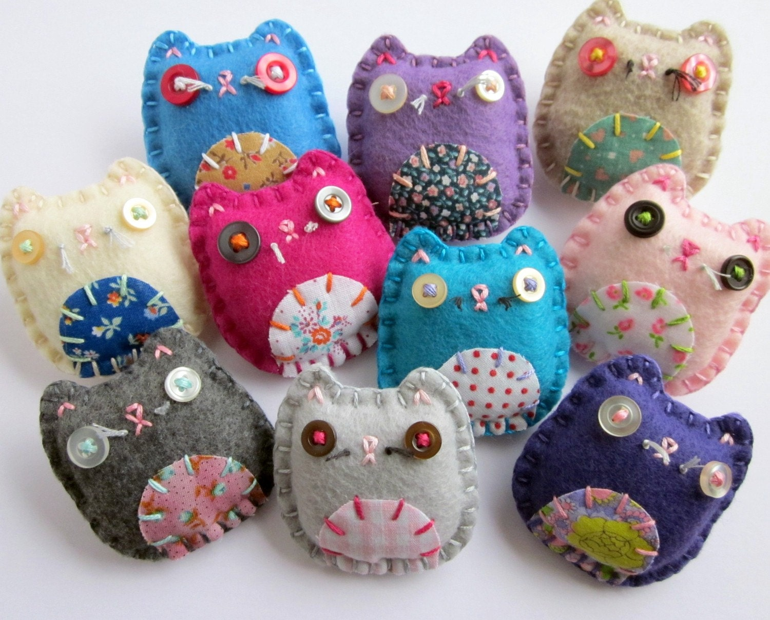 WHOLESALE Lot of 8 Eco Felt Kitty Cat Brooches Pins Vintage Fabric Cute Lucky Cats