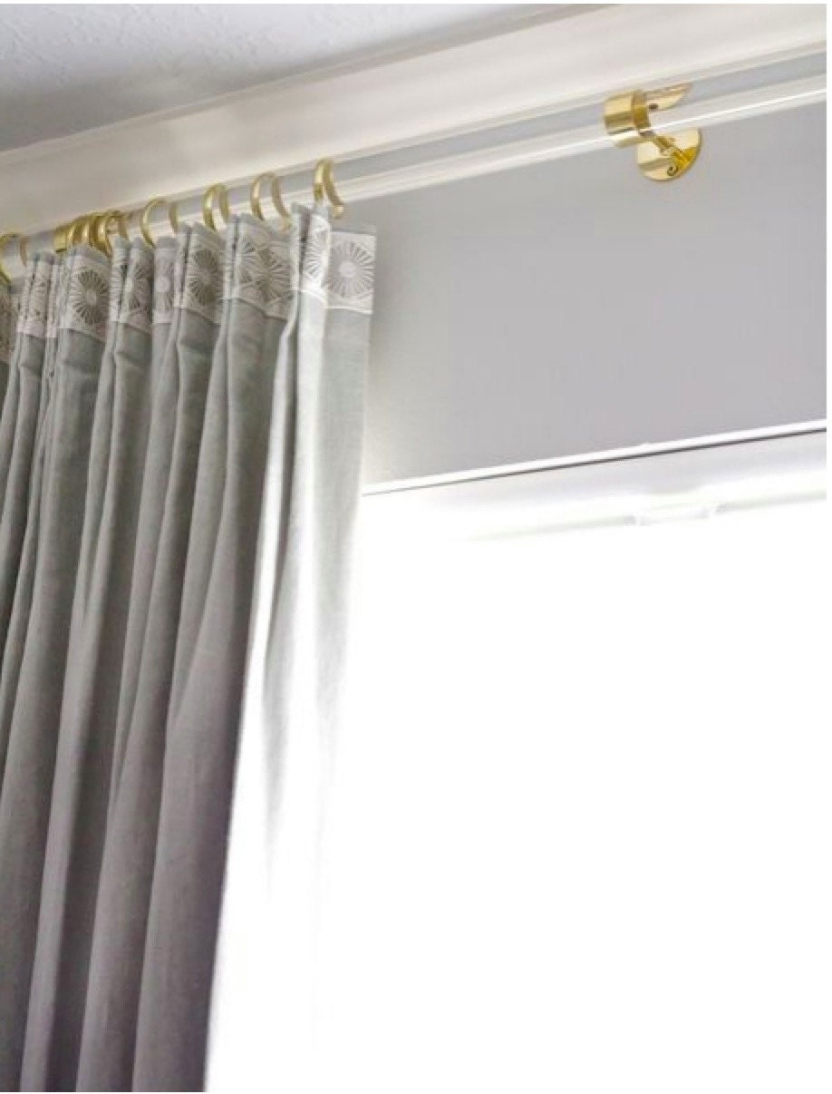 Curtain rods hardware