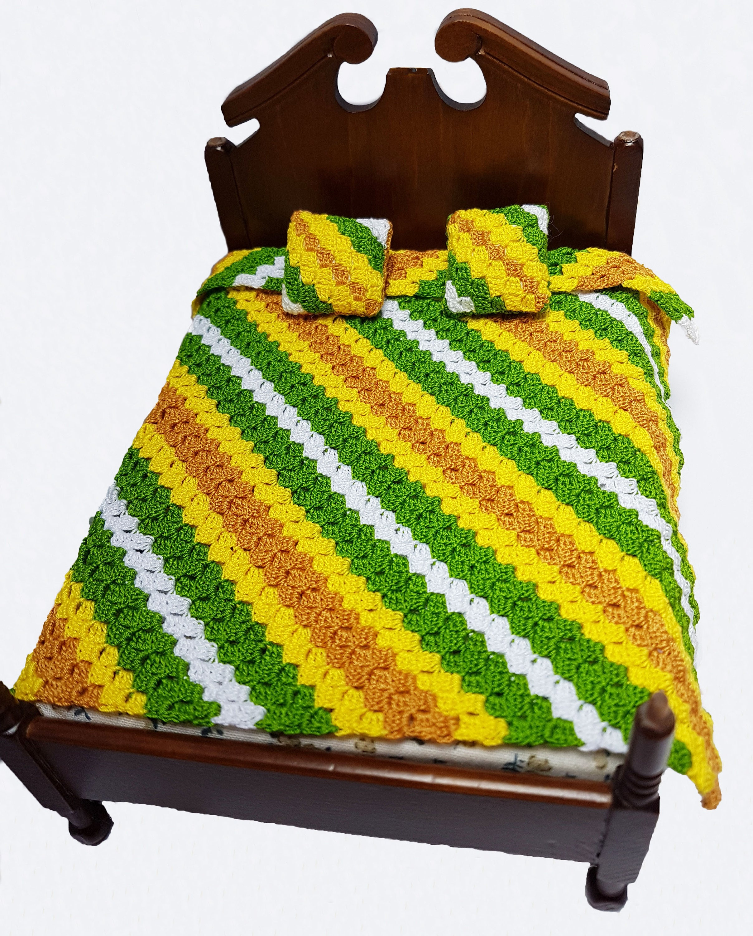 dollhouse blanket and cushion set miniature bedspread dolls house cushions dolls house blanket