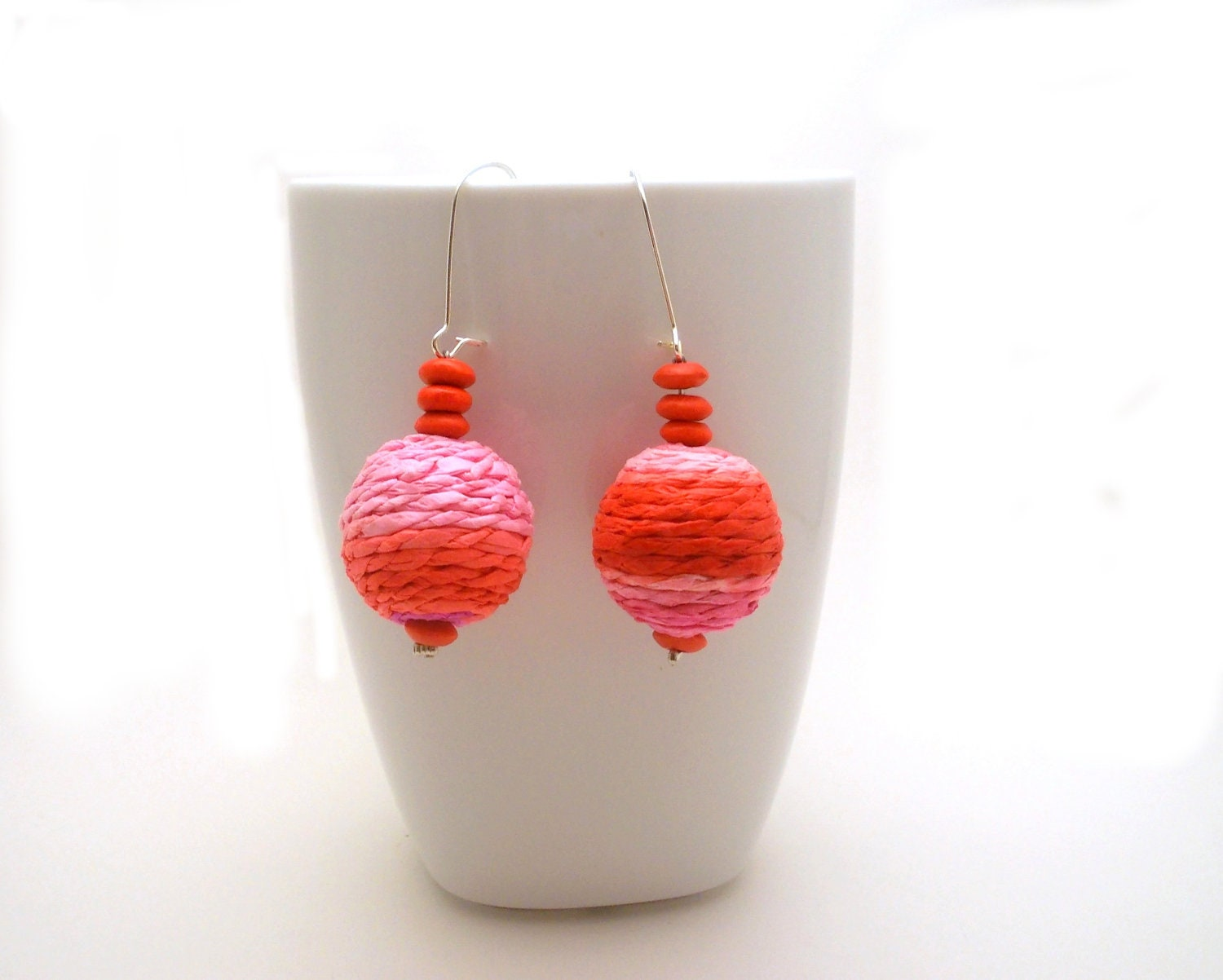 Orange Red Beaded Earrings - Chunky Hippie earrings - orange red, pink covered acrylic and wood beads - EfZinCreations