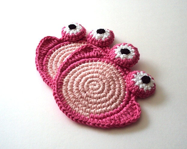 Sweet Pink Frog Coaster . Beverage Drink Tea Coffee Pastel Decor Crochet Cute Collection - Set of 2