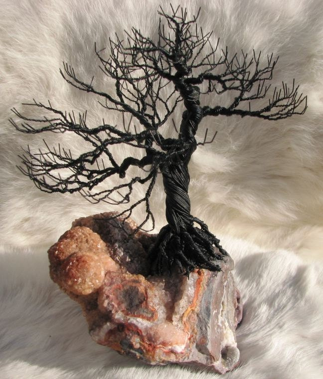 Bonsai Wire Tree on Lace Agate