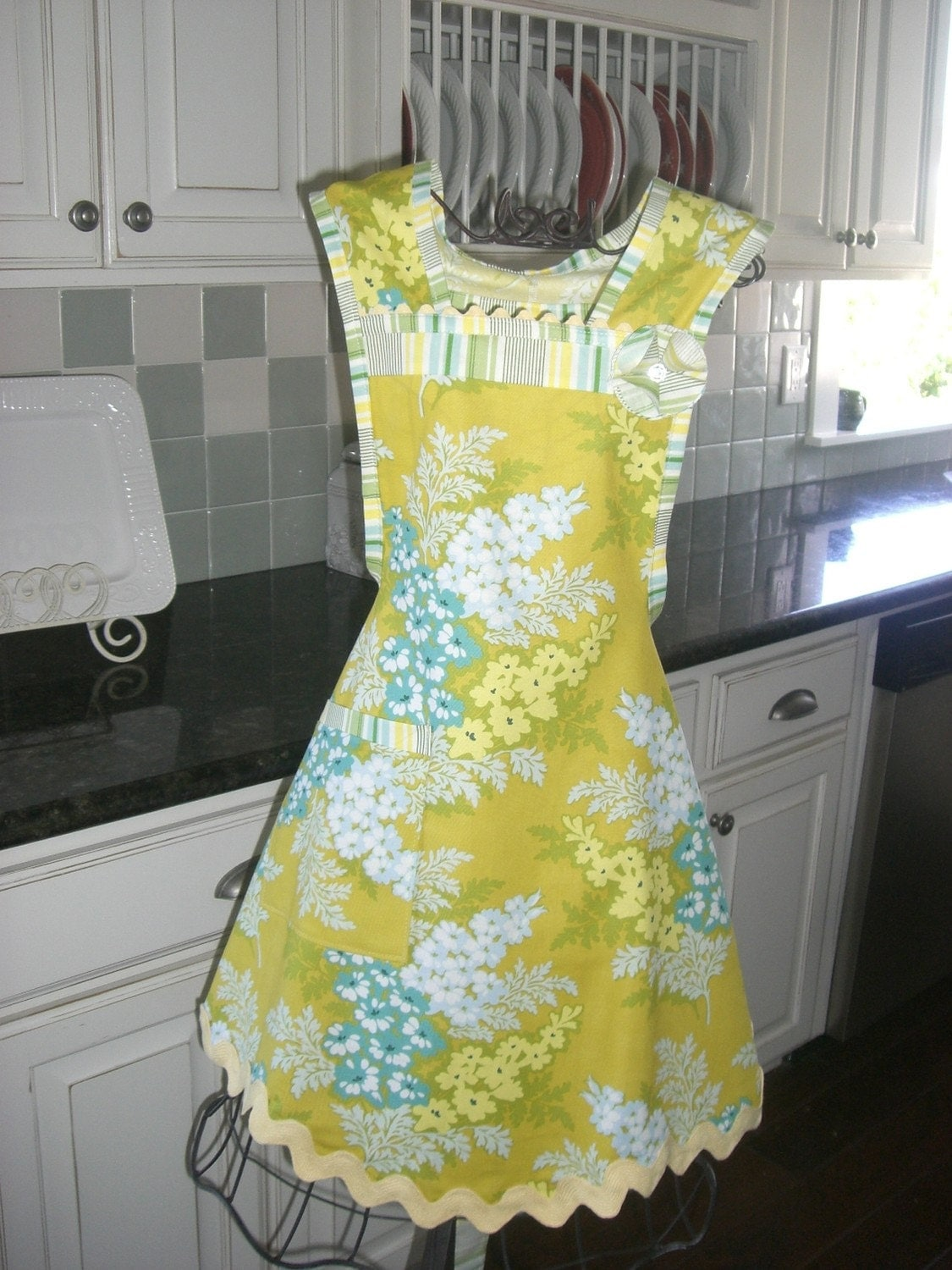 Retro Womens Kitchen Apron by 4RetroSisters Vintage and Retro Inspired