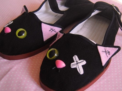 Stitched Zombie Kitty Mary Jane Shoes - Size 5