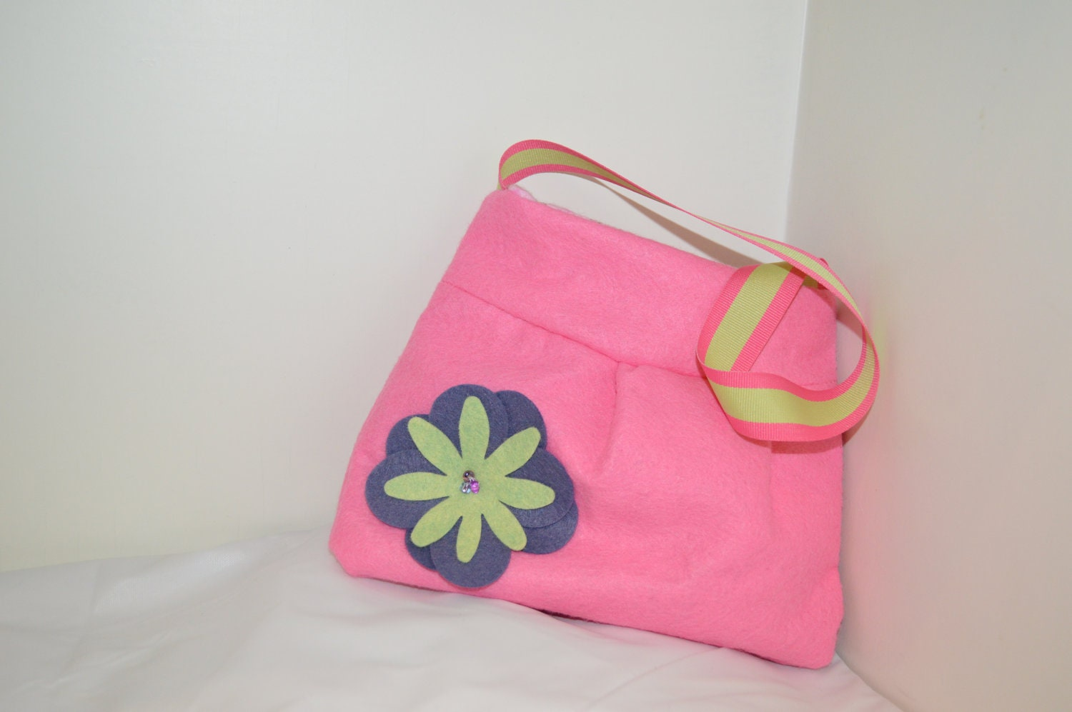 Little Girl Hot Pink Felt Purse- Argyle Lining Purple & Green flower