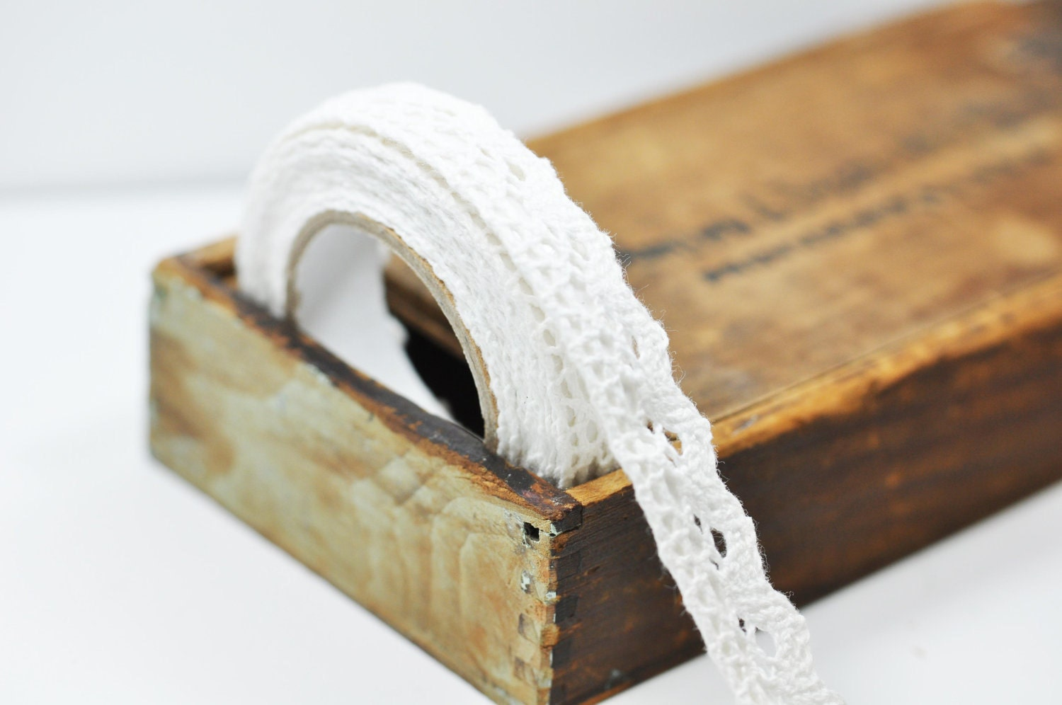 Self Adhesive White Lace tape
