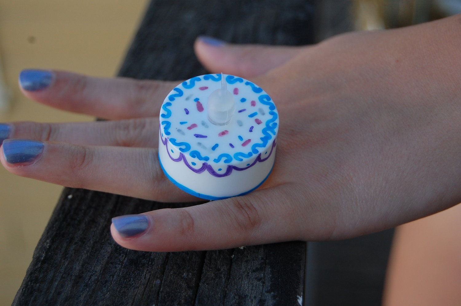 Sprinkles and Scallops: Light-Up Cake Ring with Fancy Adjustable Band